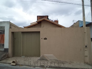 Casa 03 dormitórios Jardim Santa Eulalia