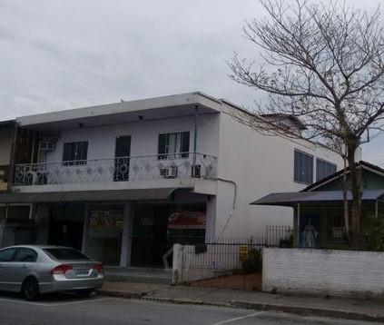 Prédio comercial/ residencial na Ponte do Imaruim