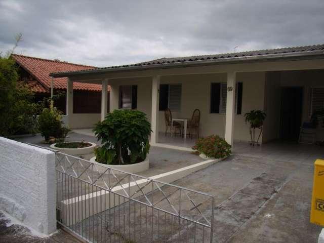 Casa 3 dorm. c/ suíte na Praia de Fora