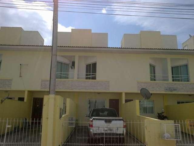 Sobrado 2 dormitórios semi mobiliado no Aririú