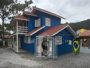 Casa com localização privilegiada