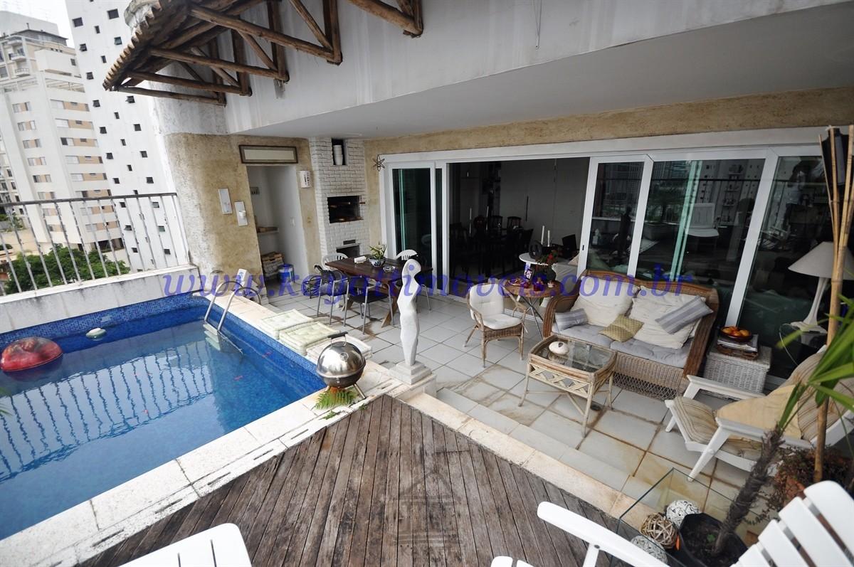 Piscina privativa e terraço