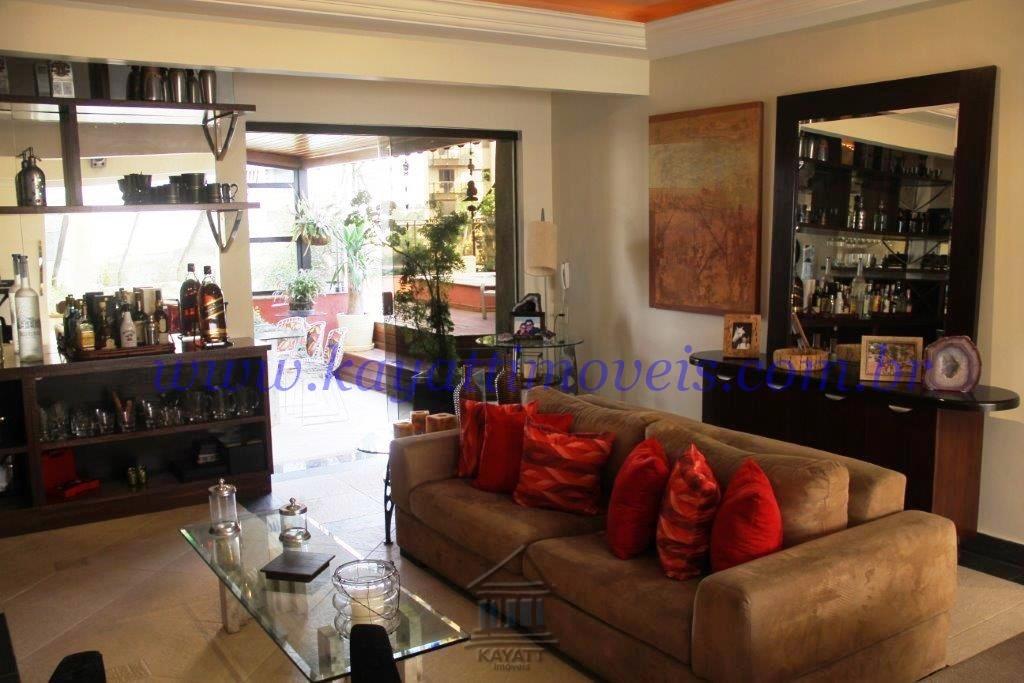 Sensação de casa em cobertura duplex em Moema