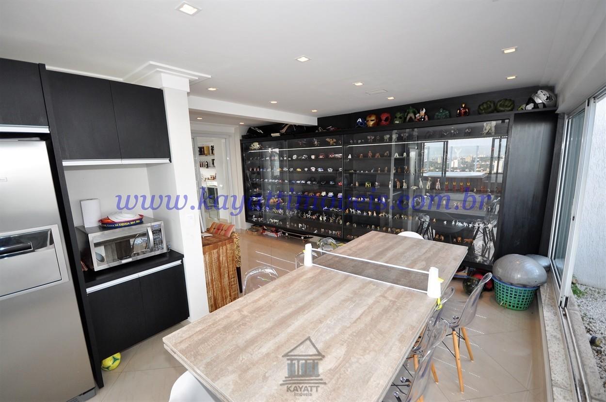 Sala de Jogos / Cozinha