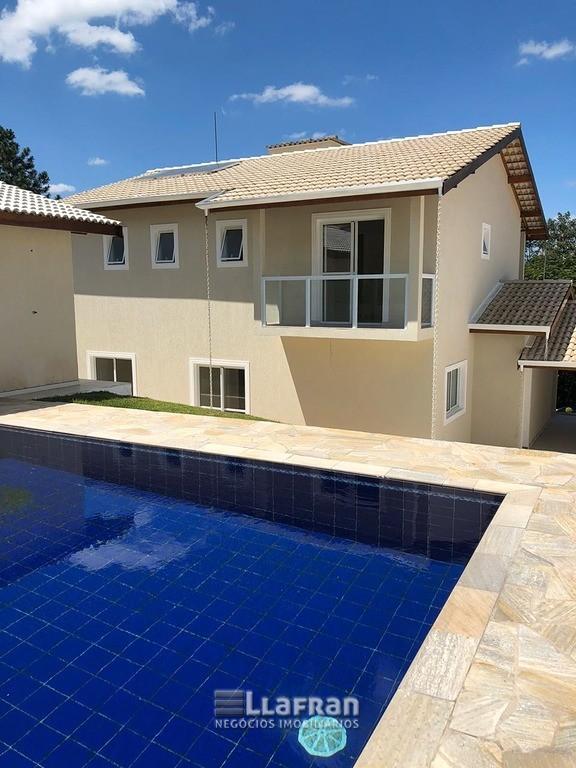 Casa em condomínio fechado em Embu Guaçu