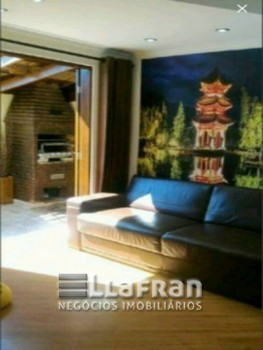 Casa em condomínio fechado no Jardim Barbacena
