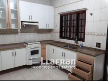 Sobrado 2 quartos Jd Saint Morritz Taboão da Serra