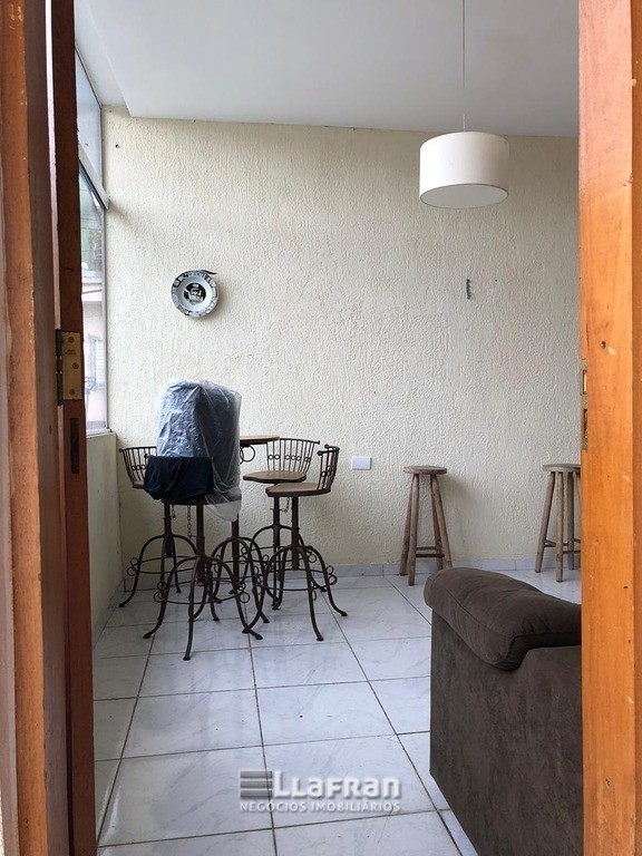 Sobrado Jardim Maria Luiza Taboão da Serra 2  dormitórios, suíte, sala, cozinha, banheiro, piscina e