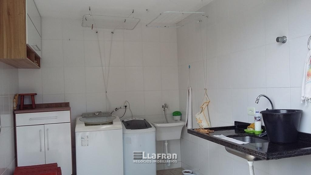 Sobrado 2 dormitórios sendo 2 suites Jardim Miranda Duarte (8).jpeg