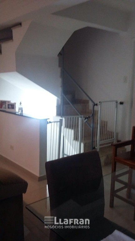 Sobrado 2 dormitórios sendo 2 suites Jardim Miranda Duarte (28).jpeg