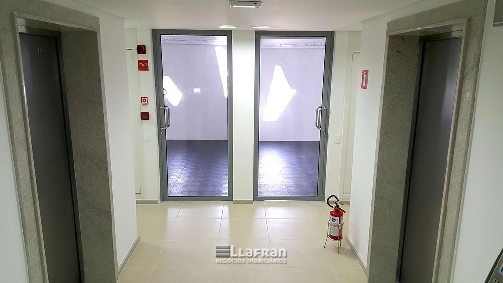 Sala comercial 632 m² Parque Santo Antonio (15).jpg