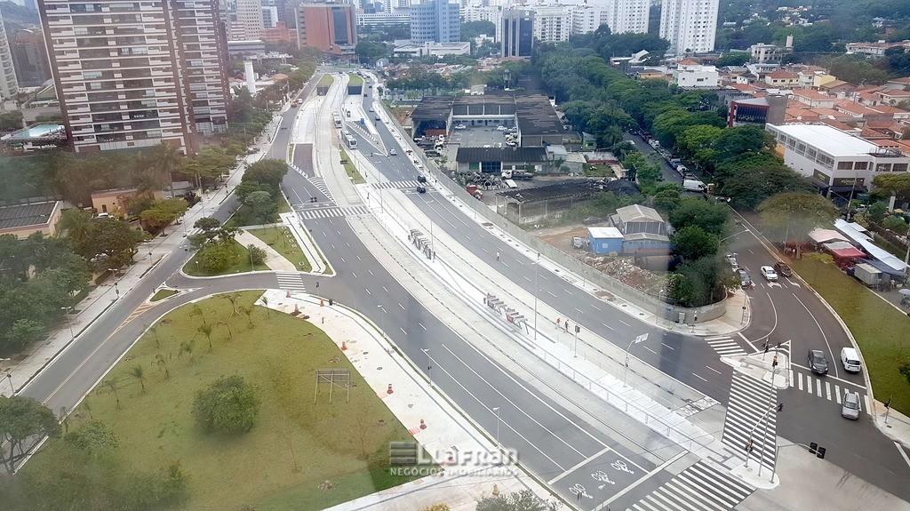 Sala comercial 632 m² Parque Santo Antonio (18).jpg