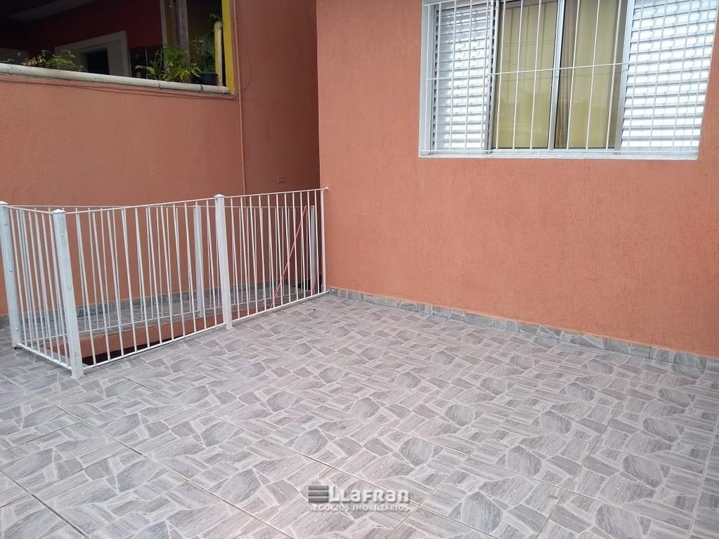 Sobrado 143 m² no Jardim Santa Cecilia em Taboão da Serra SP (26).jpeg