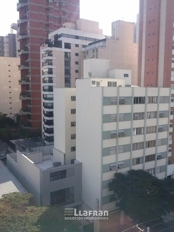 Aparamento na rua Artur de Azevedo em Pinheiros (1).jpg