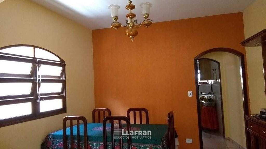 Sobrado de 2 quartos e edicula na Vila Iase em Taboão da Serra (2).jpg