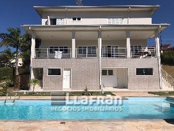 Casa no Condomínio Jardim das Palmeiras