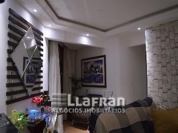 Apartamento com 3 dormitórios no Jardim Esmeralda