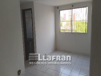 Apartamento de 2 dormitórios Campo Limpo