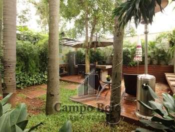 Casa Térrea no Campo Belo com 4 Dormitórios