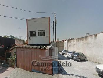 Casa sobrado com 416 m².