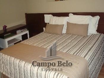 Apartamento com 1 dormitório no Campo Belo.