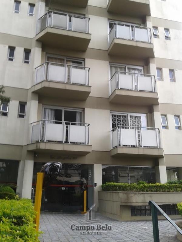 Apartamento com 2 dormit�rios no Campo Belo.