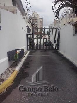 Casa de Vila no Campo Belo com 2 dormitórios.