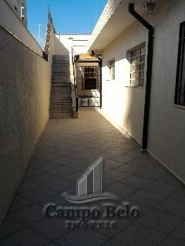Casa térrea com 3 dormitórios no Campo Belo