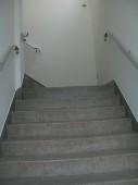 escada de acesso aos apar