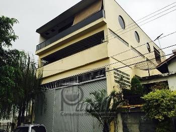 PRÉDIO COMERCIAL PARA LOCAÇÃO 750m² ÁREA UTIL