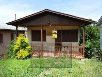 Casa Mista Financiável no bairro Borgo