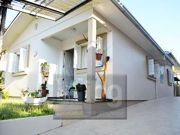 Linda casa no Bairro Ch�caras - Garibaldi
