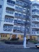 Apto Duplex c/ 1 su�te + 3 quartos no Centro