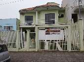 Casa de Alv. c/ 1 su�te + 2 quartos no Centro