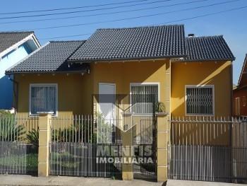 Casa de Alv. C/ 1 suíte + 2 quartos no Coral