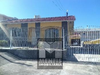 Casa de Alv. c/ 1 suíte e 2 quartos na Santa Rita