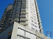 Apartamento com suíte no centro.