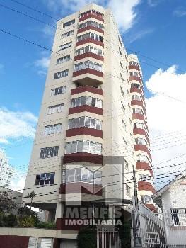 Excelente apartamento no centro a venda.