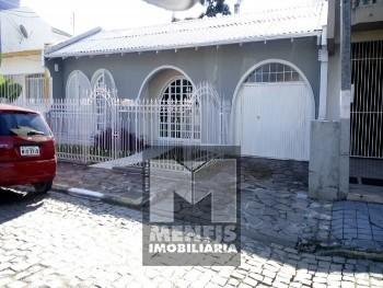 CASA DE ALVENARIA C/ 2 SUÍTES+2 QUARTOS NO BRUSQUE
