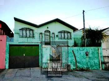 Casa de alv. c/ 1 su�te + 2 quartos - B Petr�polis