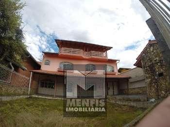 Casa de Alv. c/ 4 suítes, 3 quartos Centro Lages
