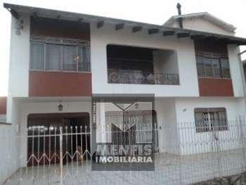 Casa de Alvenaria c/ 2 pisos no Centro