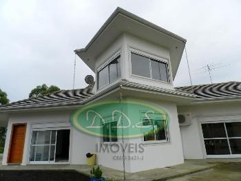Casa com 4 Quartos 2 suítes em Lages/ SC