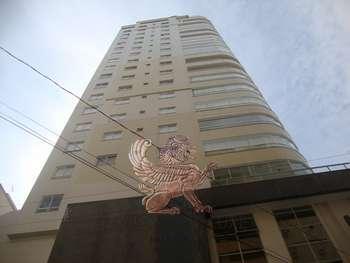 Apartamento no Centro de Balneário Camboriú/ SC.