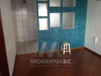 Casa comercial com 4 ambientes individuais