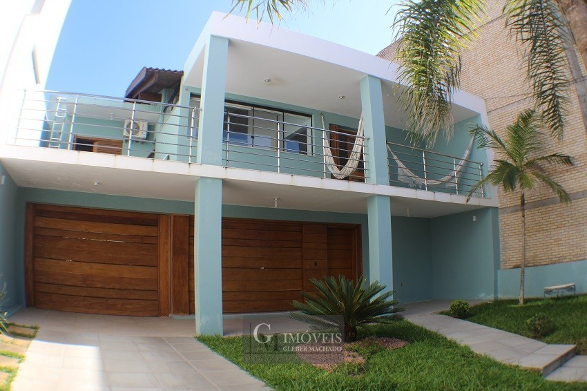 Casa com piscina na Praia Grande Torres RS