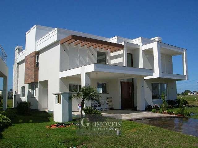 Excelente casa em condom�nio fechado em Torres\RS