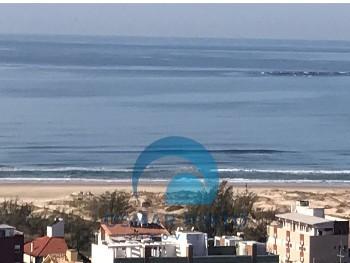 Apto 4 suítes com vista para o mar