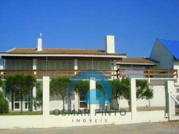 Linda casa na beira da praia em Torres, RS