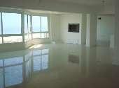 Apto 4 dormitórios c/ dep. em Torres/ RS